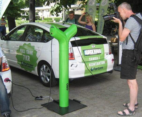 Fortum laddstolpe o plug in Prius
